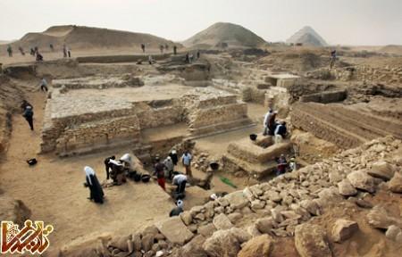 081111 new pyramid egypt big3 کشف بقایای 17 اهرام گمشده در مصر | عکس | Tarikhema.ir