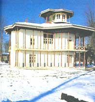 ساختمان های حکومتی استان گیلان