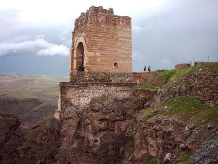 شگفت انگیزترین قلعه ایران
