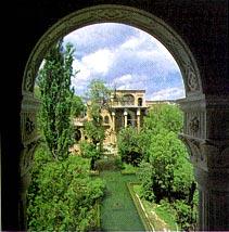 آشنایی با باغ های زیبای استان کردستان
